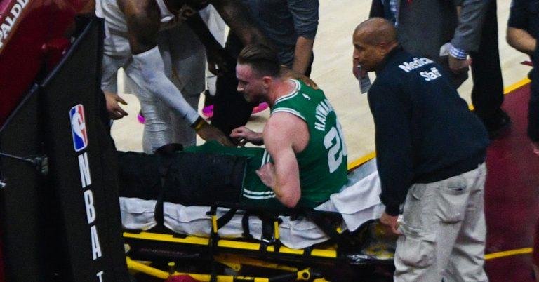 Gordon Hayward basketball injury carried off court on stretcher